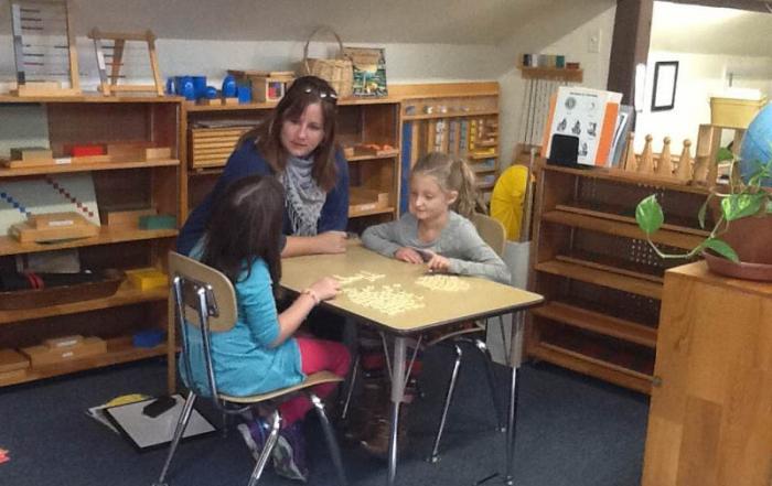 Montessori Spanish Class - Greenspring Montessori School